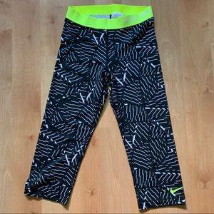 NikePro crop leggings size M
